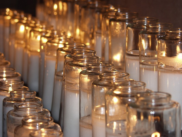 candles-716746_640.jpg